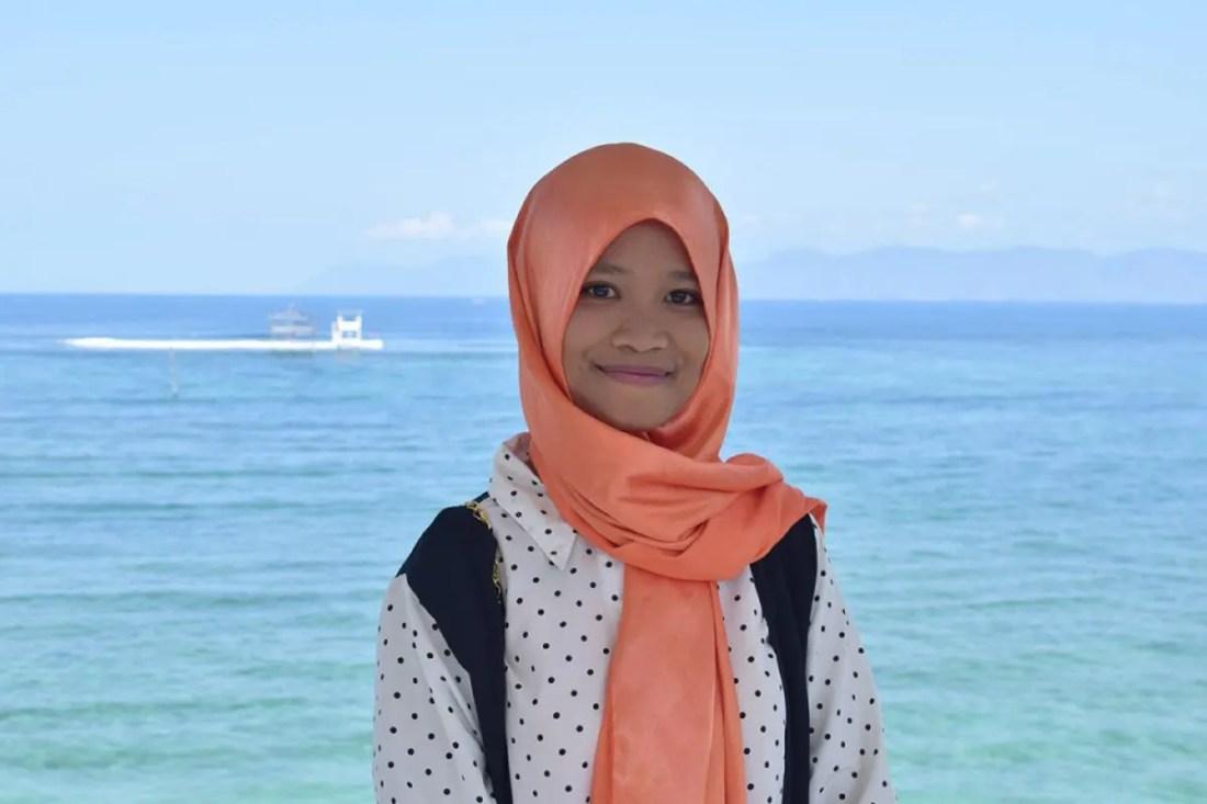 Chica en Sumbawa, Indonesia, Sudeste Asiático