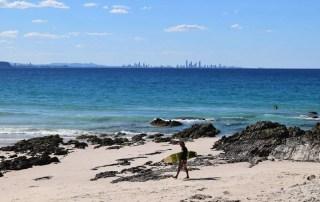 Coolangatta en Gold Coast. Una de las mejores playas donde surfear en Australia