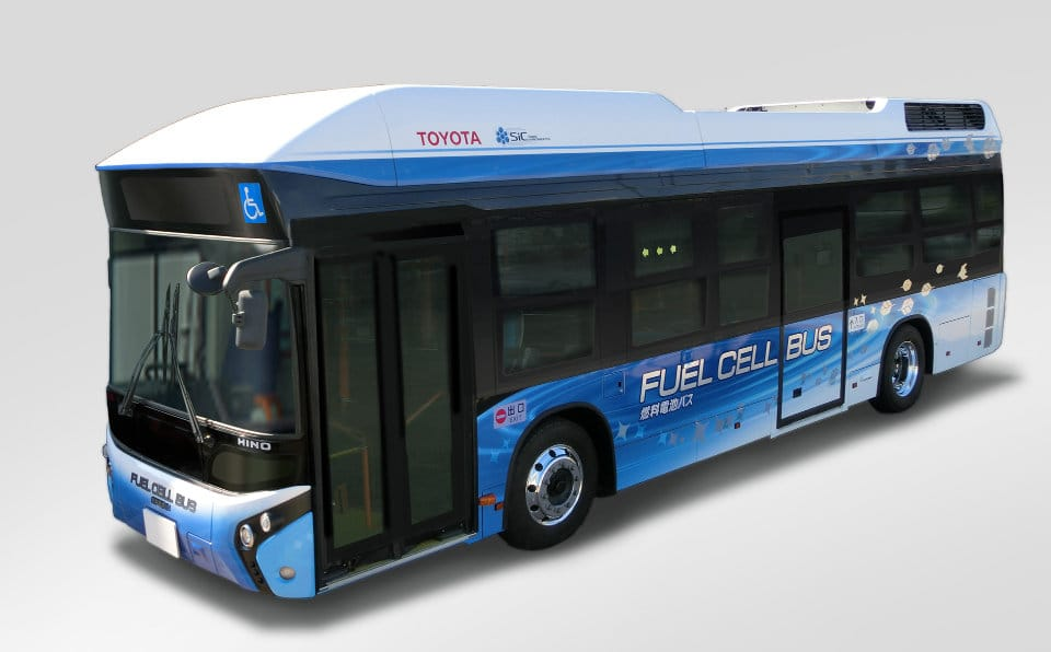 toyota_bus_2.jpg