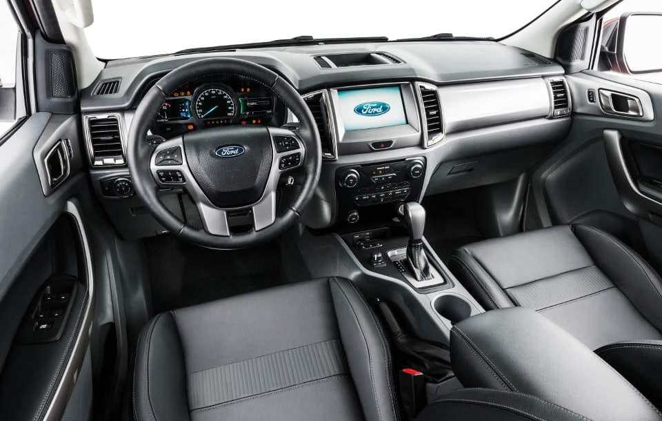ford_ranger_interior_1.jpg