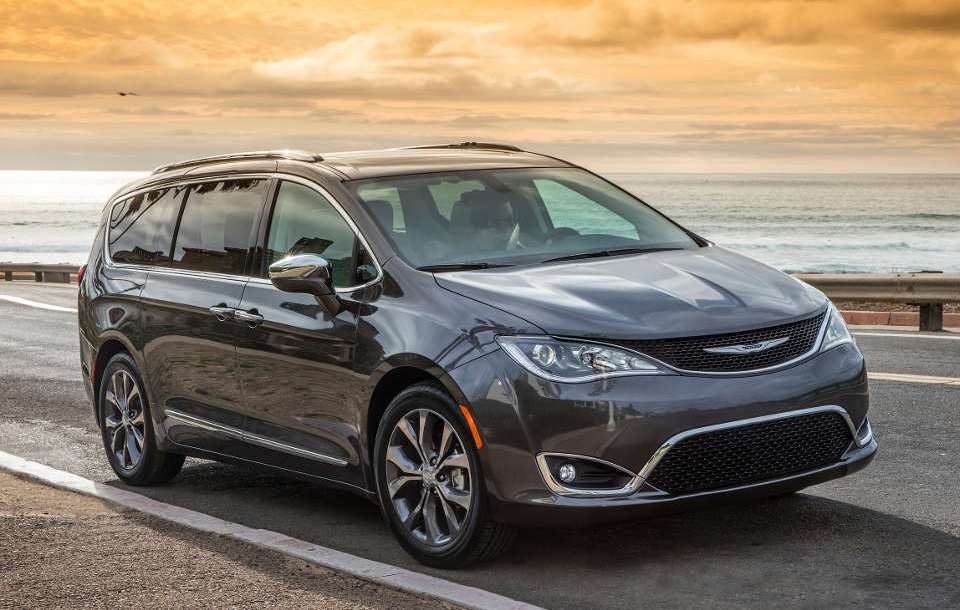 chrysler_pacifica_1.jpg