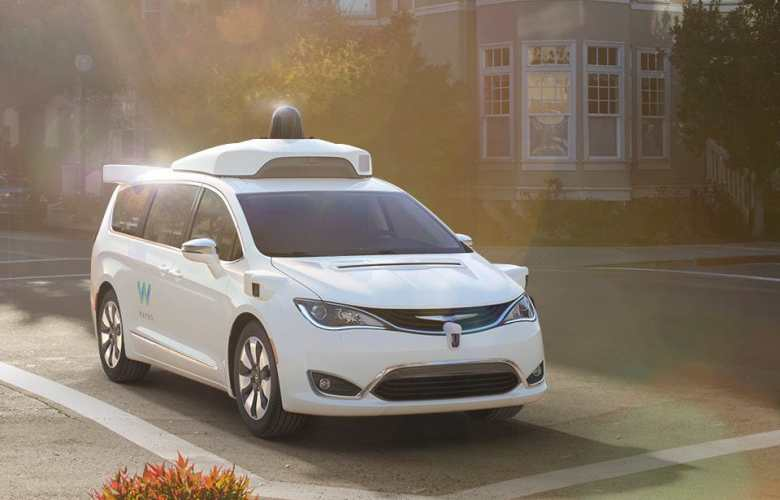 chrysler_pacifica_hybrid_waymo_2.jpg