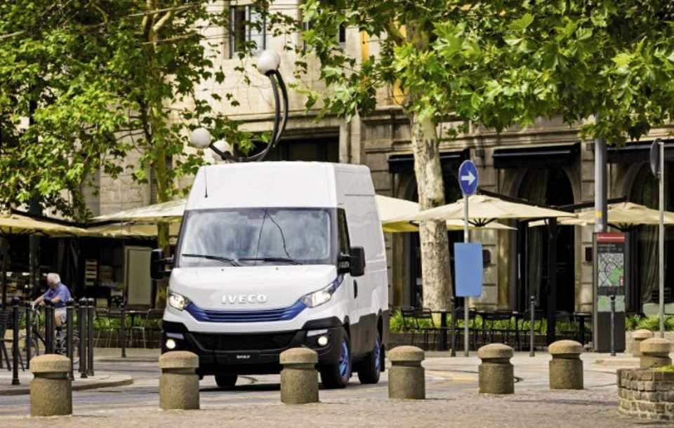 iveco_daily_blue_power.jpg