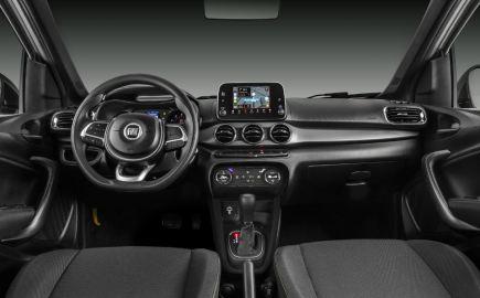 Fiat_Argo_Trekking_1.8_3
