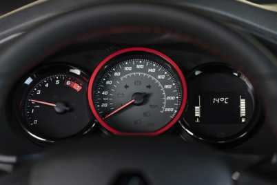 Renault_Sandero_RS_9