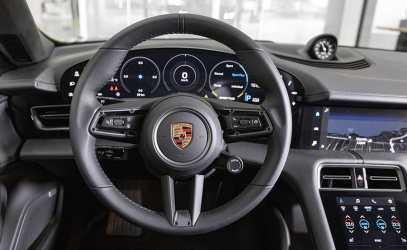 Porsche_taycan_7