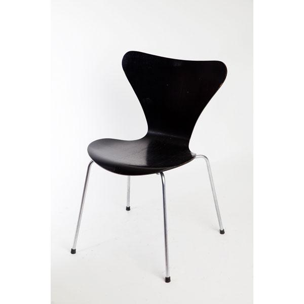 Silla  hormiga negra  de Jacobsen  Tiempos Modernos