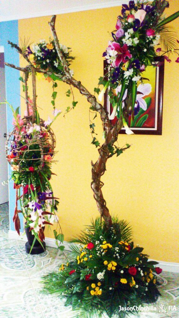 VAR1300  Estructura de arbol con flores Arbol en flores
