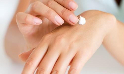 cómo hidratar la piel de las manos
