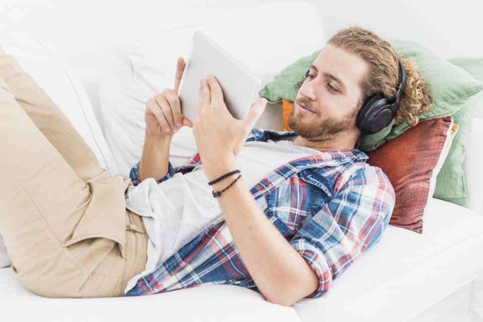 auriculares diadema mejor opcion para escuchar musica - regala auriculares