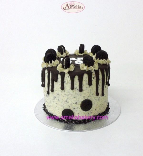 Pastel oreo drip cake 6/8 pax con nombre