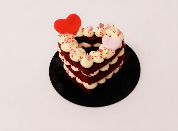 Pastel Corazón Red Velvet de San Valentin (para 2 personas)