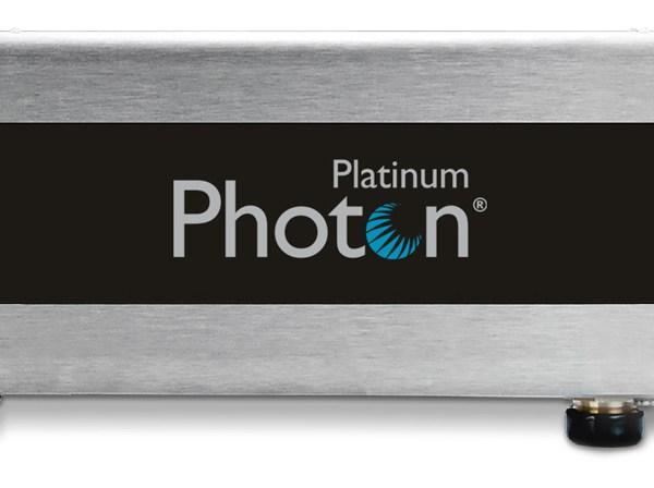 Clean Water Photon, es un dispositivo para el tratamiento del agua. Funciona, generando oxígeno activo, y aplicando rayos UV en el agua