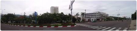 Trường ĐH Quy Nhơn ở ven biển (Click để xem ảnh gốc).