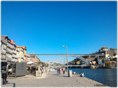 DOM LUIS BRIDGE - biểu tượng của thành phố.