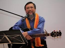 Nhạc sĩ Phan Văn Hưng: Chúng đi buôn...cho nước đảo điên!