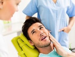 Проблемы с челюстью к какому врачу обращаться