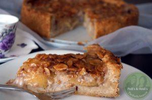 Apfelkuchenkuchen ''gebrannte Mandel''