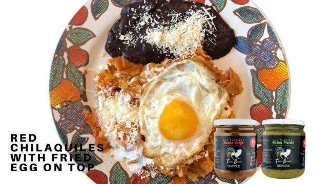 Chilaquiles con huevo estrellado