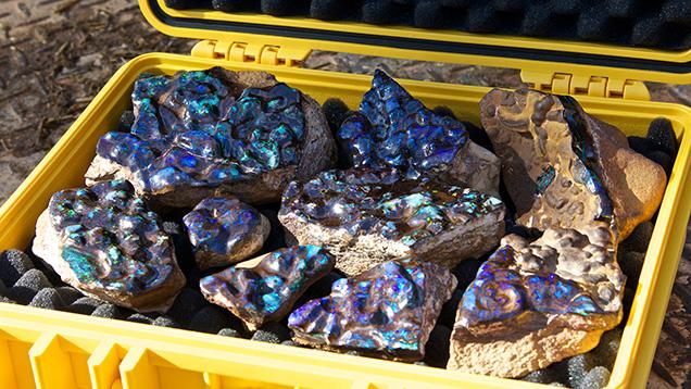opalo australiano boulder en bruto