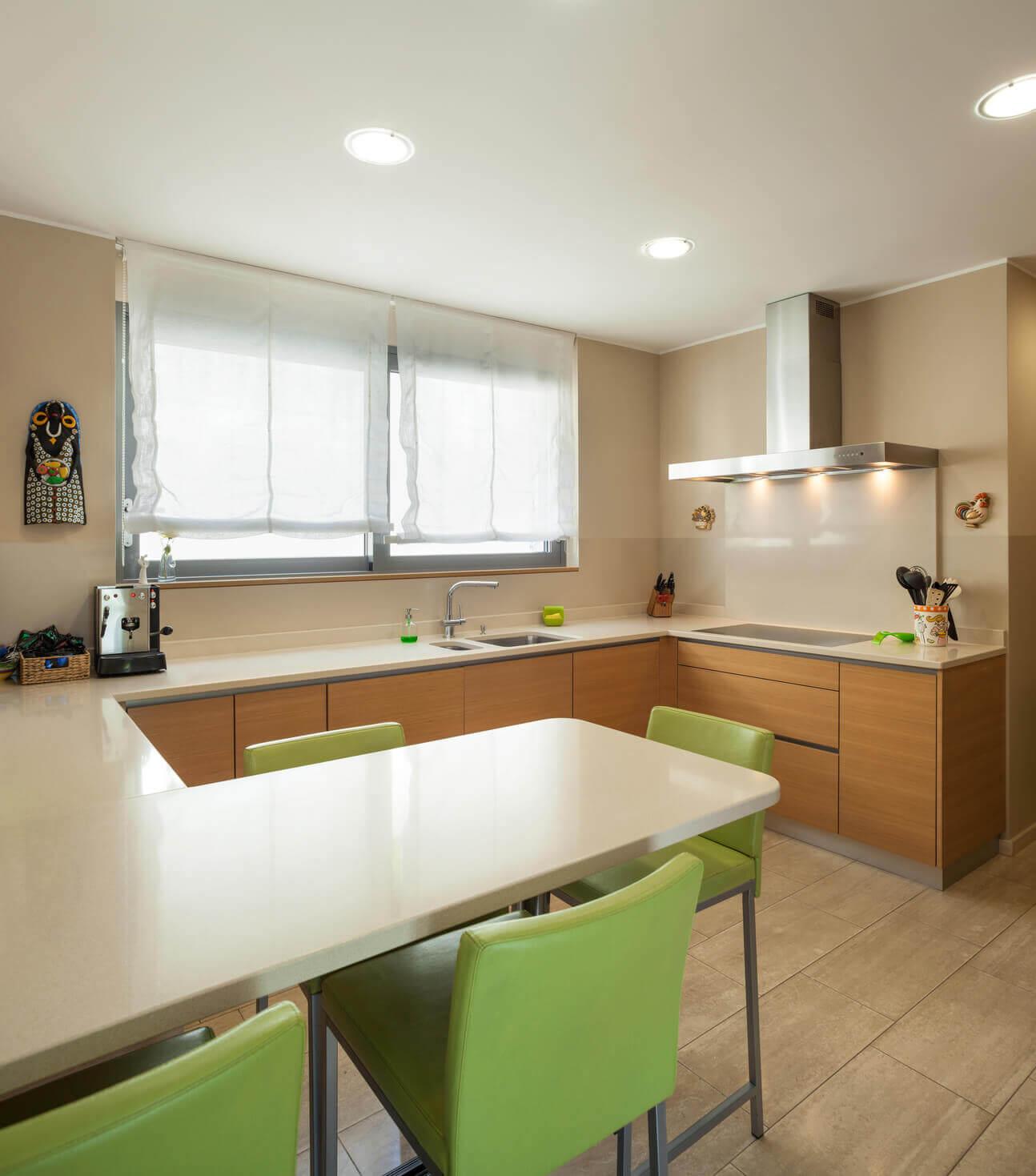 Cocinas con pennsula en Vitoria  Tierra Home Design