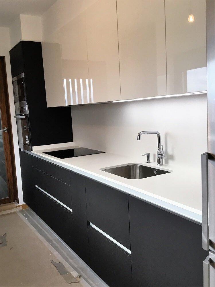 Cocina sin tiradores  Cocinas Vitoria  Tierra Home Design