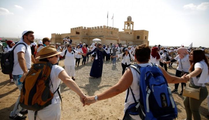Marcha de madres cristianas, musulmanas y judías, en señal de paz – Tierra  Santa Para Todos