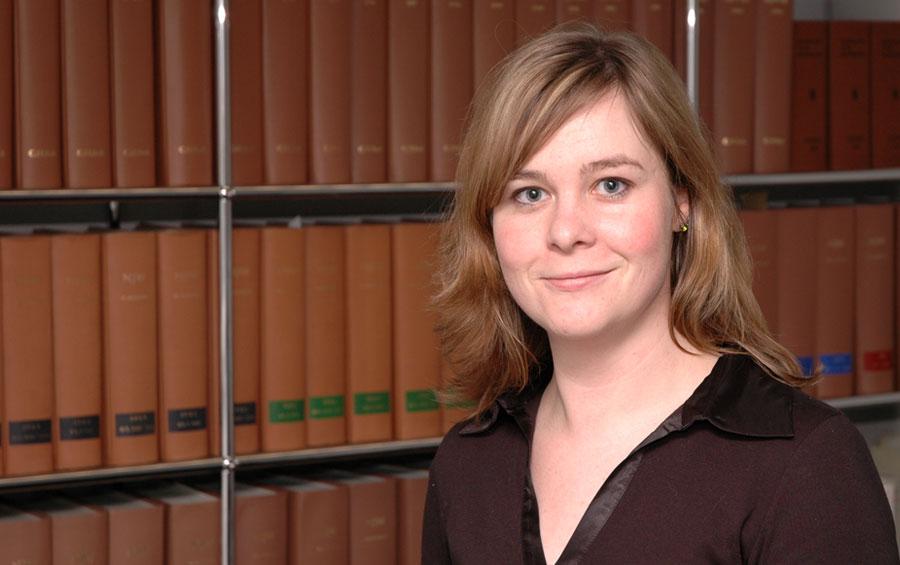 Tierrecht Anwalt Julia Ziegeler Rechtsanwältin Hannover geboren in Bückeburg Rehburg-Loccum