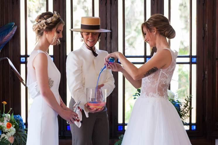 sand ceremony with wedding Debbie Skyrme your celebrant in Spain