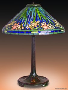 Tiffany Studios Daffodil Table Lamp. 20 inches Estimate. $30,000 - 40,000