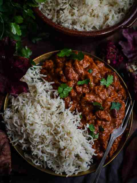 Kidney bean curry with rice in plate