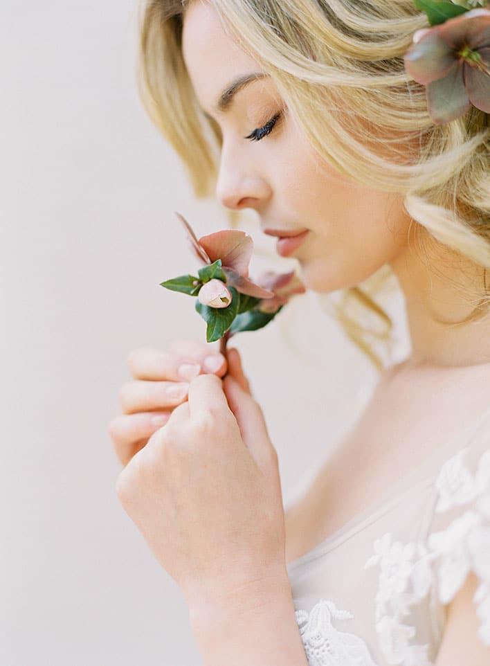 Jen Huang: Fine Art Wedding Photography, Bride Finding A Moment