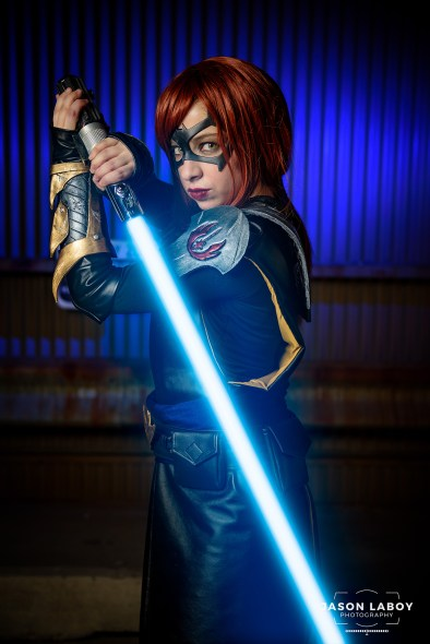 Allison from Fenix Ember Cosplay with Tiger Stone FX All Star Batgirl face mask