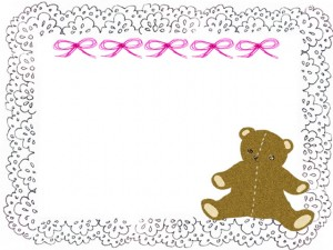 フリー素材:フレーム;茶色のテディベア(クマのぬいぐるみ)とモノクロのレースの飾り枠;640×480pix