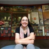 Elena Climent y sus murales sobre estudios de escritores