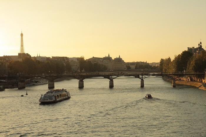 2 Weeks Italy France itinerary - Paris