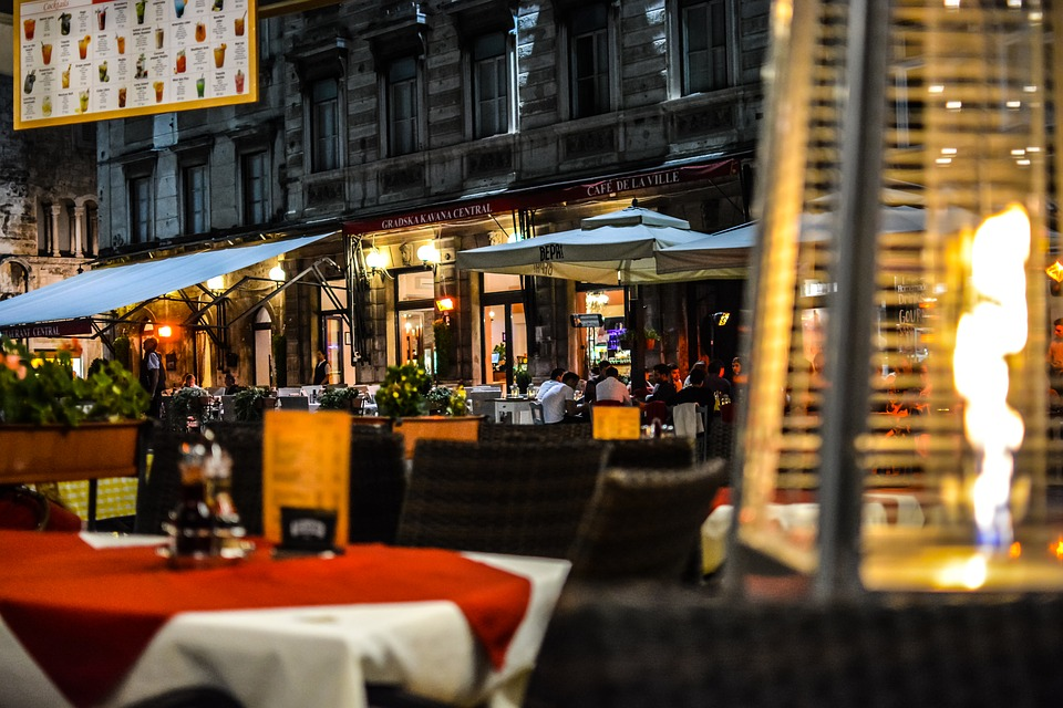 Things to do in Rome at night restaurant