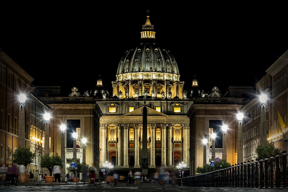 Things to do in Rome at night vatican #rome #italy #night