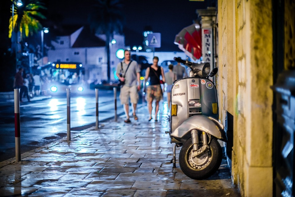 Things to do in Rome at night vespa