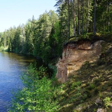 Hiking in Taevaskoja along Ahja River