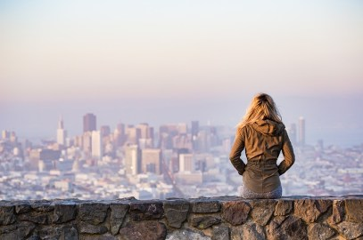 How to write travel blog if you are not traveling full time