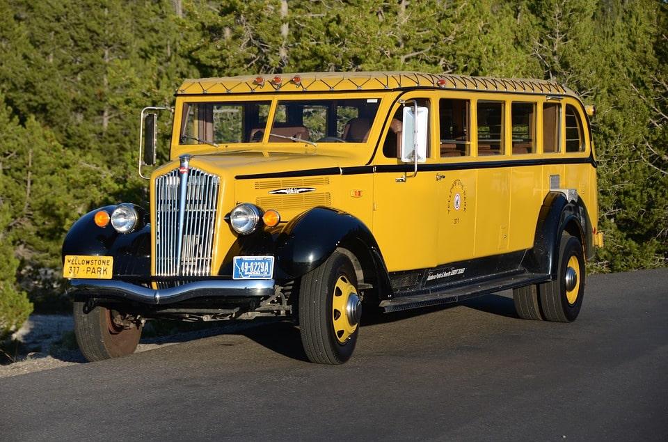 Yellowstone Itinerary 4 days bus