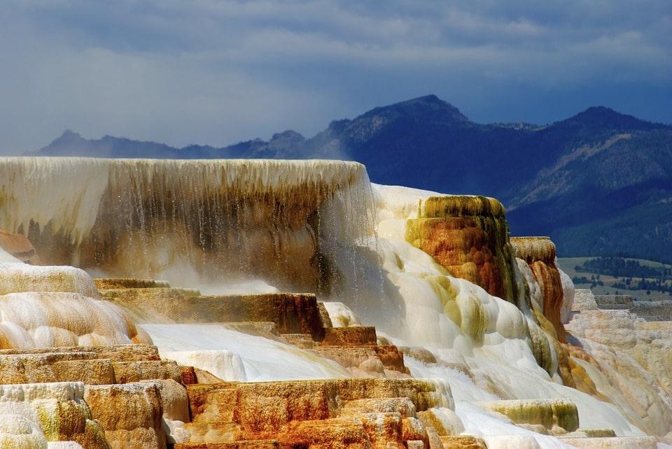 Yellowstone Itinerary 4 days mammoth