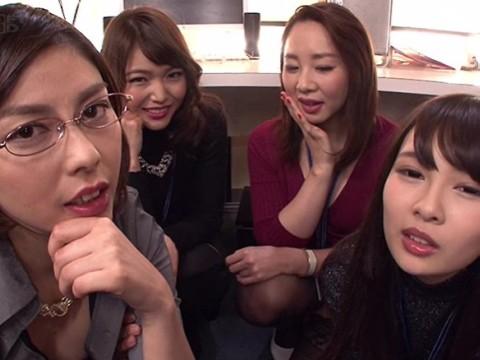 【痴女】「せんずり、チンポコ、オマンコ」美女たちがカメラに向かって淫語を ...
