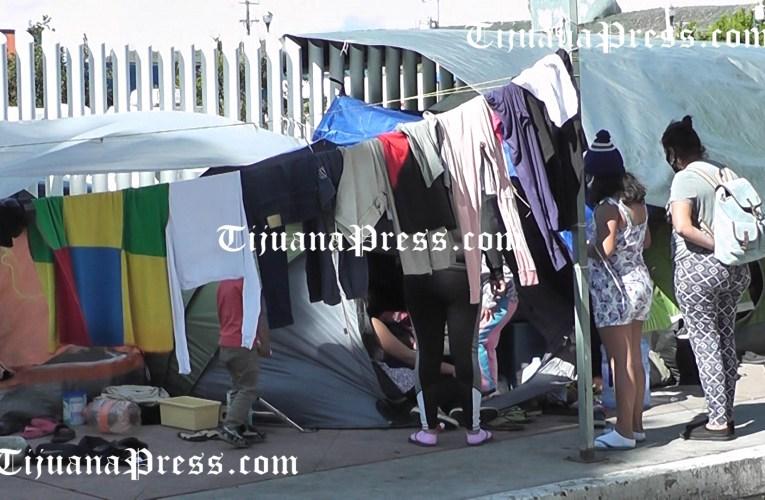Autoridades instalarán baños y regaderas en campamento de El Chaparral