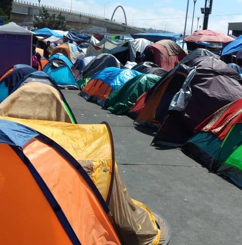 No abrirán El Chaparral mientras continúe campamento