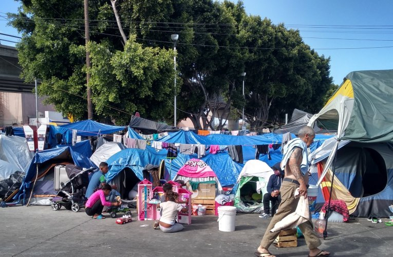Buscan retirar el campamento del Chaparral para poder reabrir la frontera