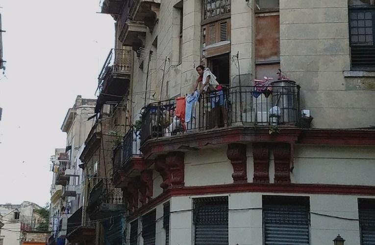 Cuba: Bachelet pide la liberación urgente de los manifestantes detenidos