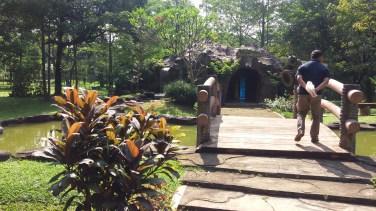 Gua di Taman Wisata Lebah