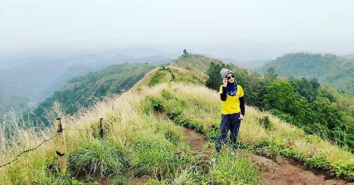 gambar Puncak Bukit Watu Jengger Mojokerto